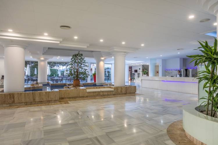 Reception illot suites & spa hotel cala ratjada