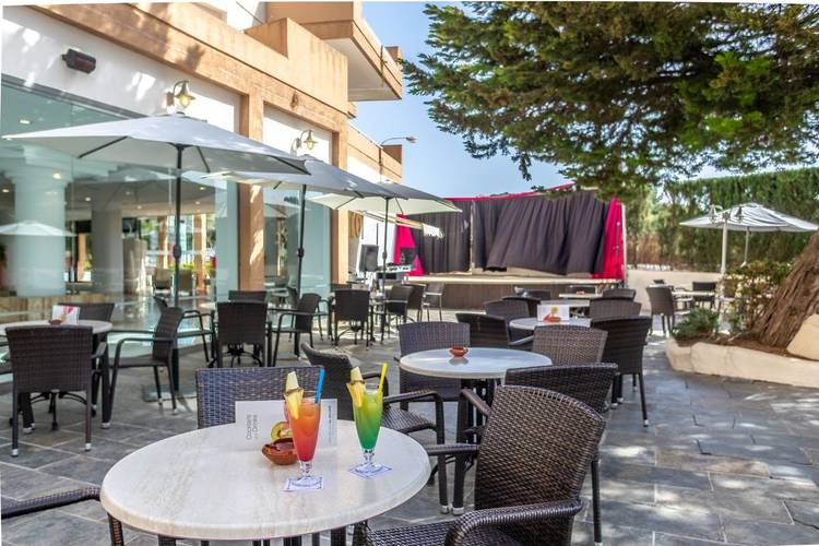 Terrace bar illot suites & spa hotel cala ratjada